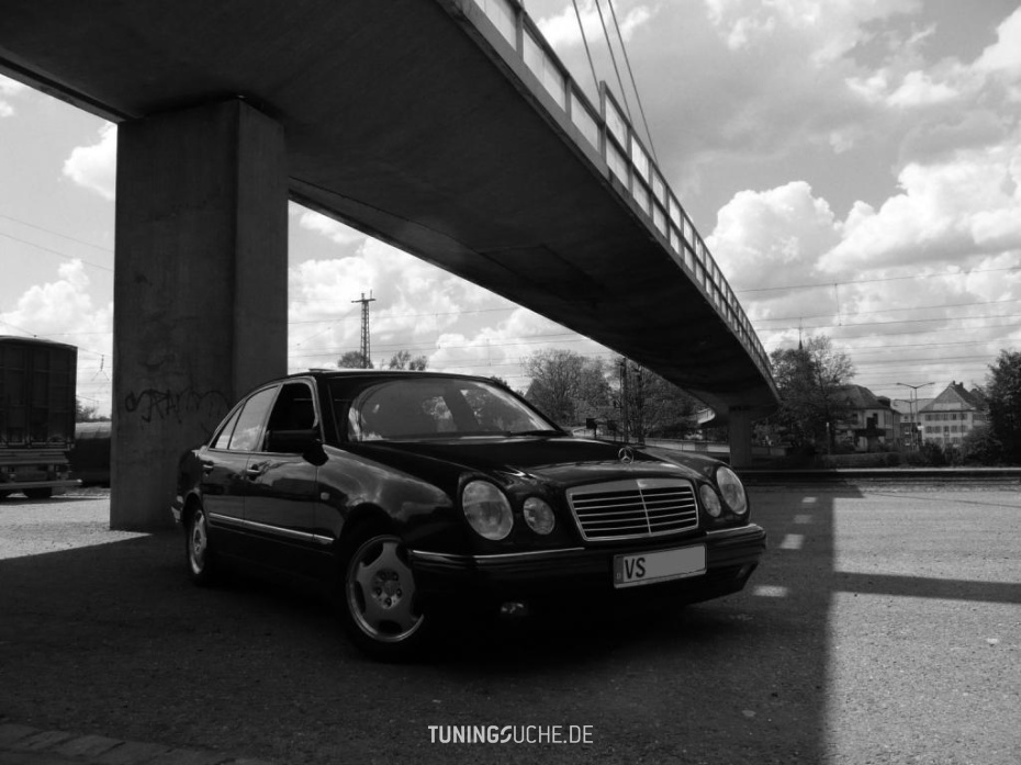 Mercedes Benz E-KLASSE (W210) E 320 Avantgarde Bild 160897