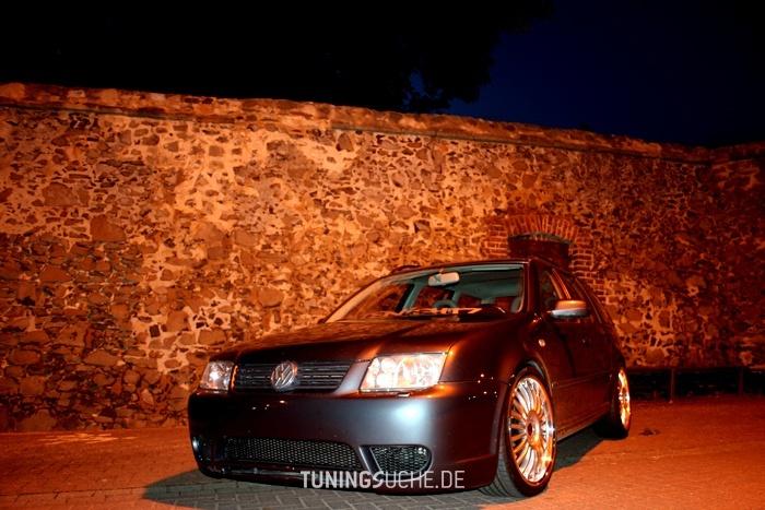 VW BORA Kombi (1J6) 2.3 V5 Highline Bild 166254