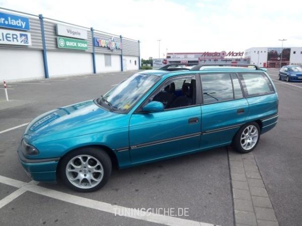 Opel ASTRA F Caravan (51, 52) 01-1995 von Bea - Bild 356924