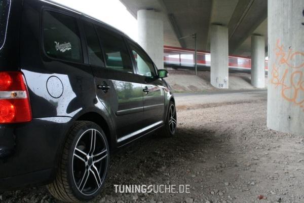 VW TOURAN (1T1, 1T2) 05-2005 von Timotheus_83 - Bild 390786