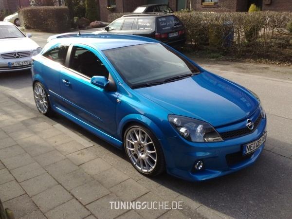 Opel ASTRA H GTC 06-2006 von Schmobi - Bild 403930