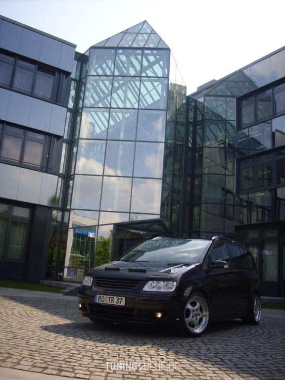 VW TOURAN (1T1, 1T2) 2.0 FSI Highline Bild 415124