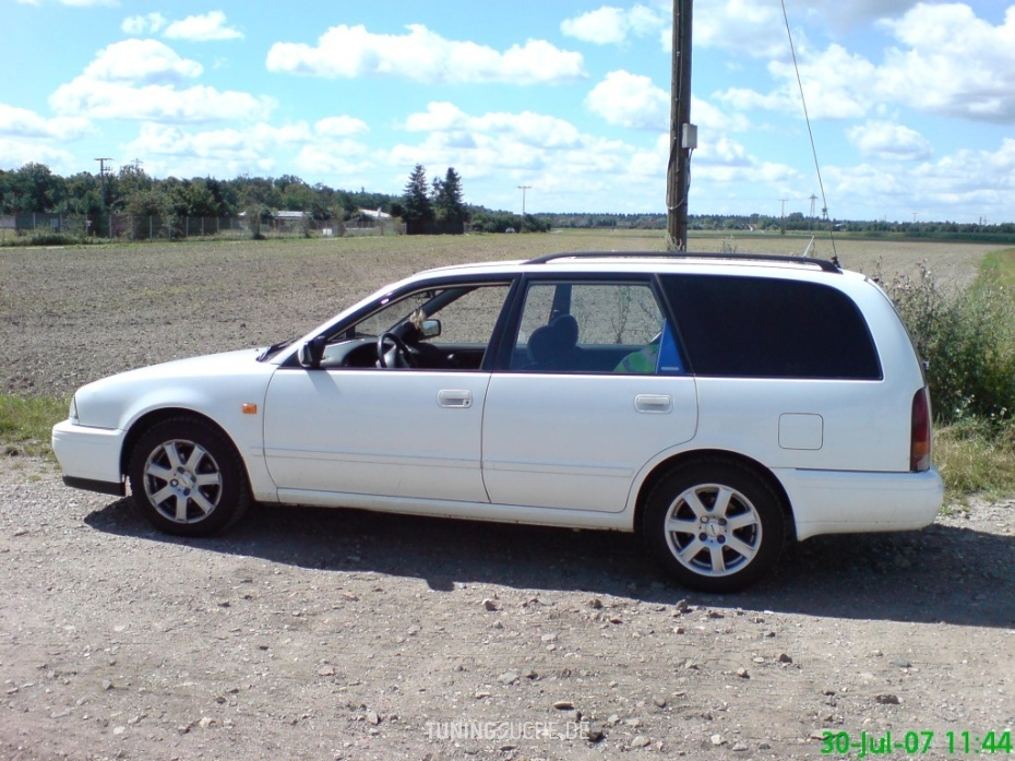 Nissan PRIMERA (P10) 2.0 16V  Bild 444711