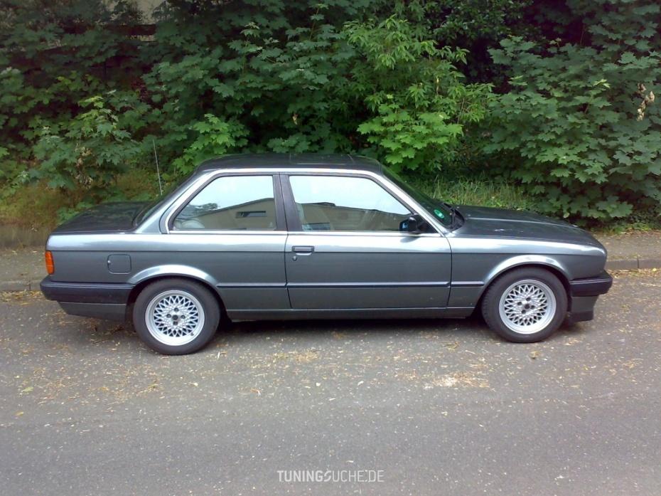 BMW 3 (E30) 318 i  Bild 448534