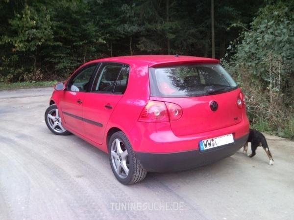 VW GOLF V (1K1) 05-2005 von ex0tic - Bild 472302