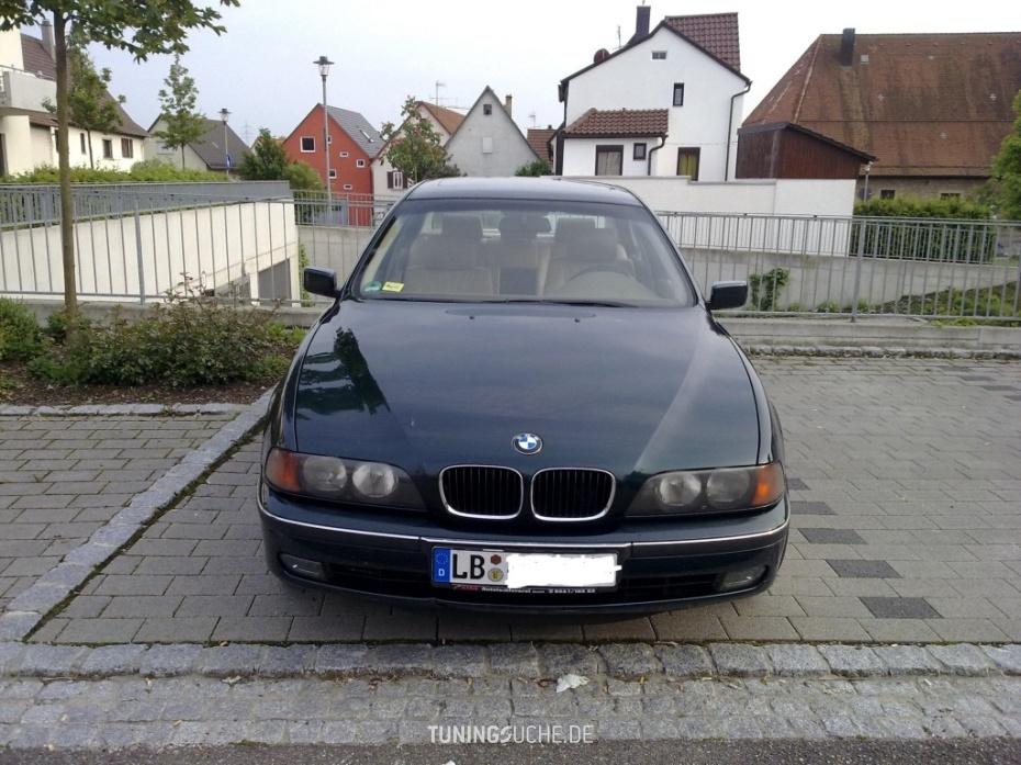 BMW 5 (E39) 528 i  Bild 473185