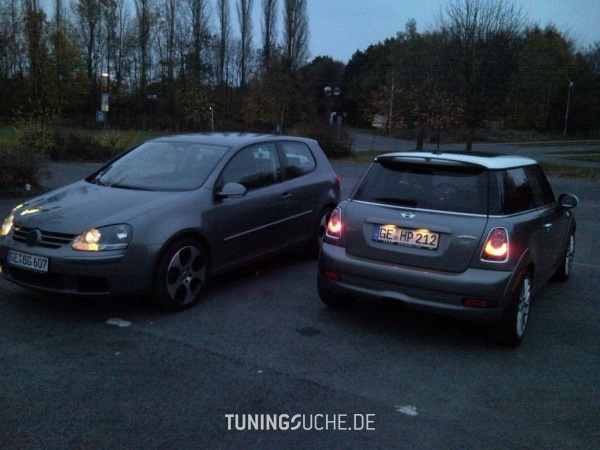 VW GOLF V (1K1) 12-2005 von Goran04 - Bild 476958