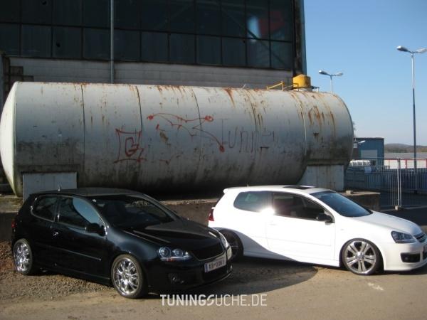 VW GOLF V (1K1) 11-2006 von KBooM - Bild 496715