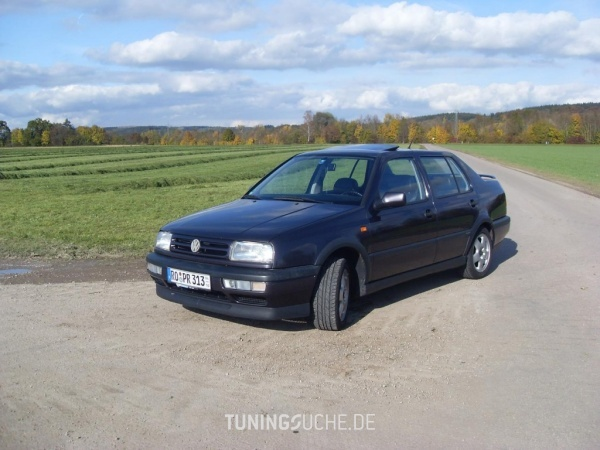 VW VENTO (1H2) 12-1994 von BoraV6Variant - Bild 525416