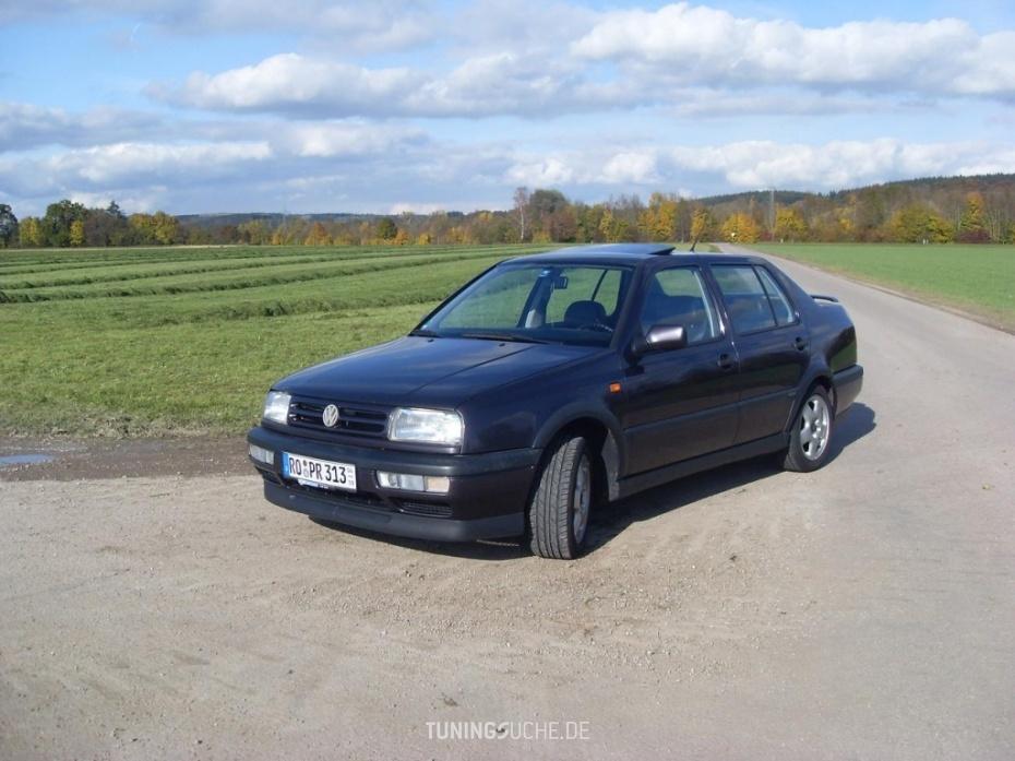 VW VENTO (1H2) 2.8 VR6 VR 6 Highline Bild 525416