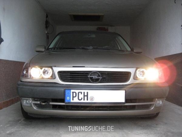 Opel ASTRA F Caravan (51, 52) 01-1996 von einstein - Bild 540456