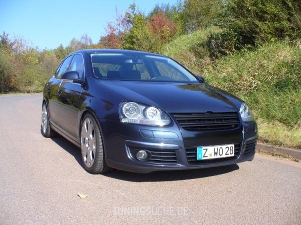 VW JETTA III (1K2) 00-2006 von deacon - Bild 561379