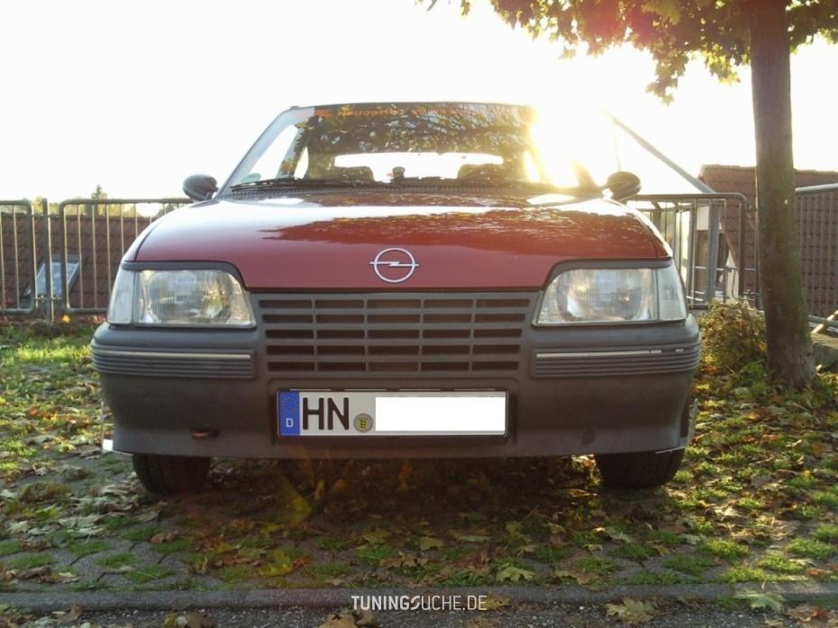 Opel KADETT E (39, 49) 1.3 i KAT  Bild 574098
