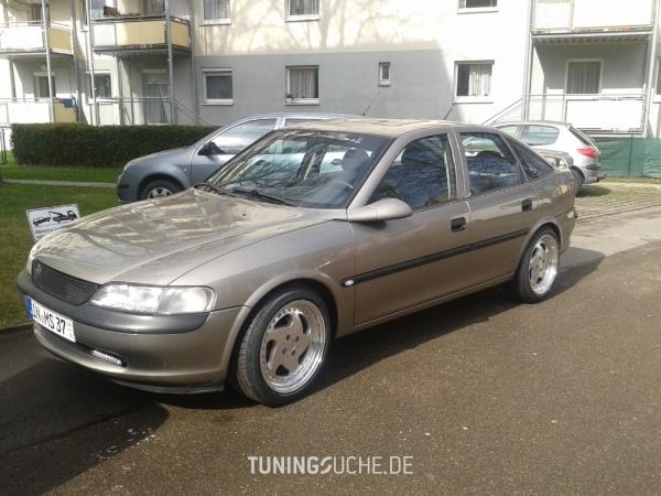Opel VECTRA B CC (38) 07-1996 von Opel-Boy - Bild 586086