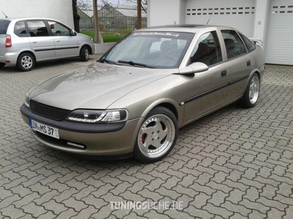Opel VECTRA B CC (38) 07-1996 von Opel-Boy - Bild 586090