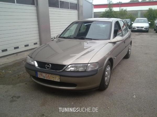 Opel VECTRA B CC (38) 07-1996 von Opel-Boy - Bild 586098