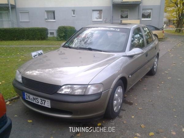 Opel VECTRA B CC (38) 07-1996 von Opel-Boy - Bild 586106