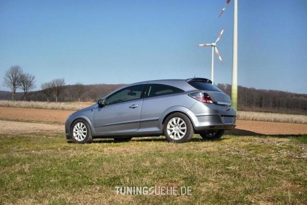 Opel ASTRA H GTC 10-2006 von noname499 - Bild 661387