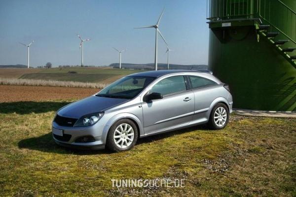 Opel ASTRA H GTC 10-2006 von noname499 - Bild 661388