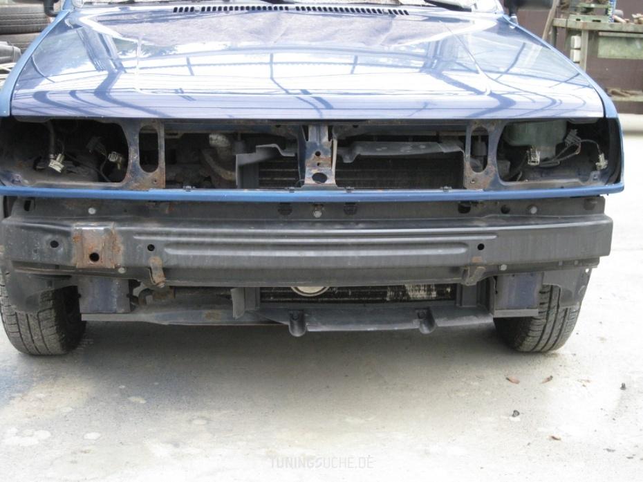 VW POLO (86C, 80) 1.0  Bild 673905