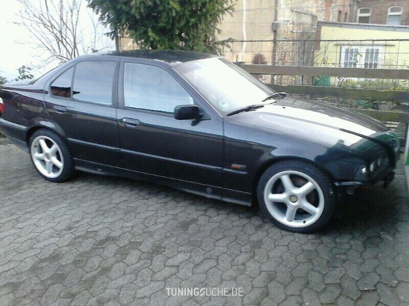 BMW 3 (E36) 320 i  Bild 779266
