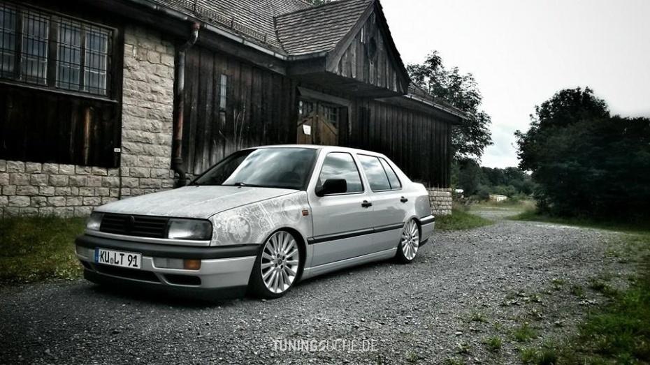 VW VENTO (1H2) 1.8  Bild 779697