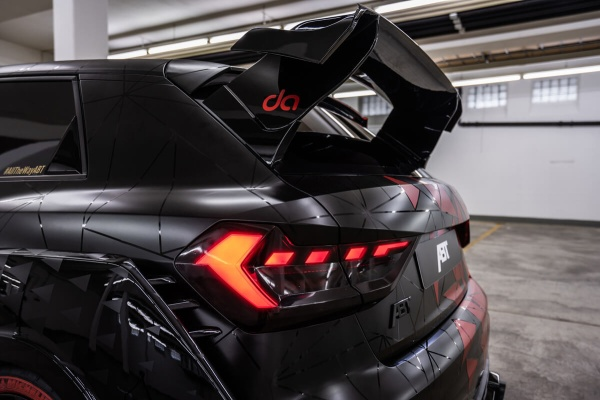 Audi A1 at its best: Daniel Abt präsentiert den A1 1of1:  (Bild 1)