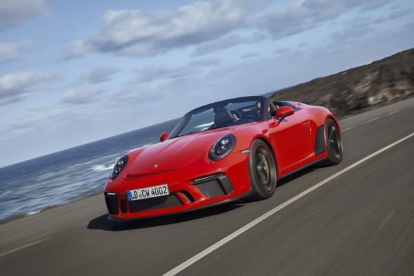 Freiluft-Vergnügen mit 510 PS: Der Porsche Speedster weiß wie's geht: Der Porsche Speedster lädt förmlich zum sportlichen Landstraßencruisen ein! (Bild 2)