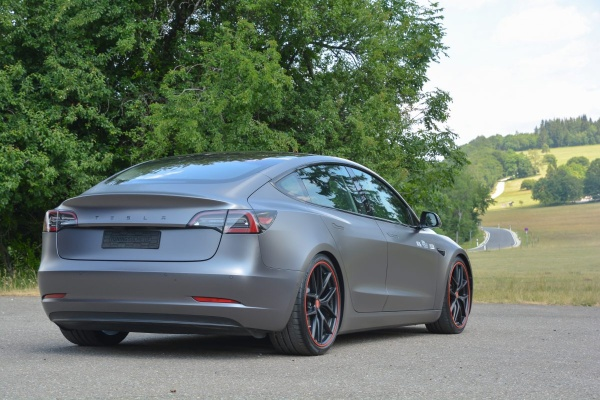 Tesla Model 3 Performance: So kombiniert man Tuning und Elektro:  (Bild 7)