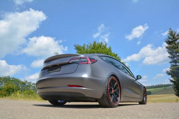 Tesla Model 3 Performance: So kombiniert man Tuning und Elektro:  (Bild 8)