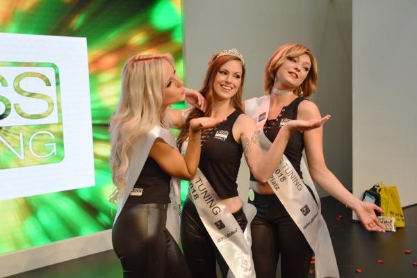 Die Gewinnerin steht fest: DAS ist die neue Miss Tuning 2018!: Alle 3 Gewinnerinnen posierten am Ende des Finales noch für Besucher und Presse. (Bild 1)