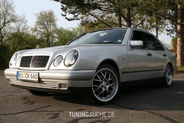 Mercedes Benz E-KLASSE (W210) 05-1996 von camay - Bild 107244