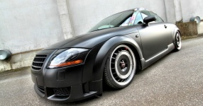 Retro-Audi TT: Mit mattem Schwarz zum See  Audi, TT, matt, schwarz  Bild 666142