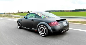 Retro-Audi TT: Mit mattem Schwarz zum See  Audi, TT, matt, schwarz  Bild 666149