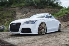 Dieser Audi TTRS posiert in malerischer Kulisse!