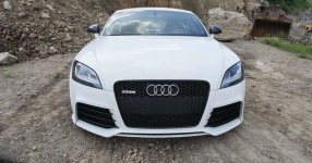 Dieser Audi TTRS posiert in malerischer Kulisse!  Audi, Audi TTRS  Bild 816571