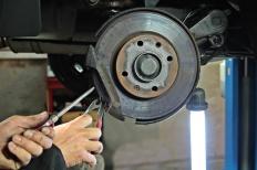 Bremsen retten Leben: Neue Bremsscheiben sicher einbauen