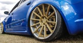 Blaues Kraftpaket: Audi RS4  Audi, RS4, Schmiederäder, Airride  Bild 815864