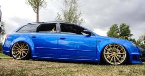 Blaues Kraftpaket: Audi RS4  Audi, RS4, Schmiederäder, Airride  Bild 815866