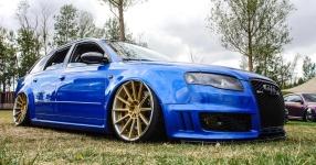 Blaues Kraftpaket: Audi RS4  Audi, RS4, Schmiederäder, Airride  Bild 815867
