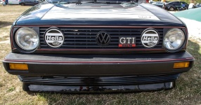 A Classic and he knows it: VW Golf II 16V    Bild 815935