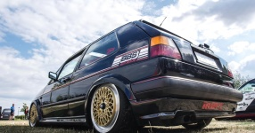 A Classic and he knows it: VW Golf II 16V    Bild 815938