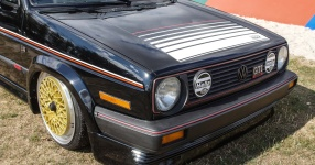 A Classic and he knows it: VW Golf II 16V    Bild 815944