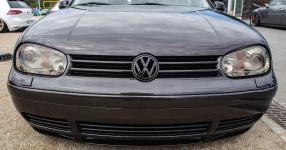 Schwarz, tief, geil: VW Golf IV am Boden    Bild 815946