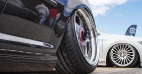 Schwarz, tief, geil: VW Golf IV am Boden    Bild 815952