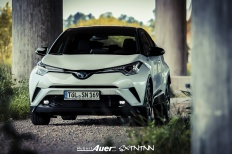 07.07.2017   Carshoot   Toyota C-HR Hybrid   Hubert Auer GmbH  07.07.2017 Carshoot Toyota C-HR Hybrid Pampersbomber 2.0 SIXTEENtoNINE SXTNTNN  Bild 813448