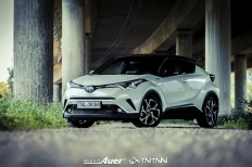 07.07.2017   Carshoot   Toyota C-HR Hybrid   Hubert Auer GmbH  07.07.2017 Carshoot Toyota C-HR Hybrid Pampersbomber 2.0 SIXTEENtoNINE SXTNTNN  Bild 813456