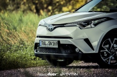 07.07.2017   Carshoot   Toyota C-HR Hybrid   Hubert Auer GmbH  07.07.2017 Carshoot Toyota C-HR Hybrid Pampersbomber 2.0 SIXTEENtoNINE SXTNTNN  Bild 813460