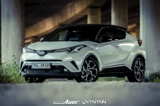 07.07.2017   Carshoot   Toyota C-HR Hybrid   Hubert Auer GmbH  07.07.2017 Carshoot Toyota C-HR Hybrid Pampersbomber 2.0 SIXTEENtoNINE SXTNTNN  Bild 813471