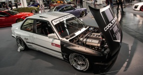 Rocket Bunny BMW E30